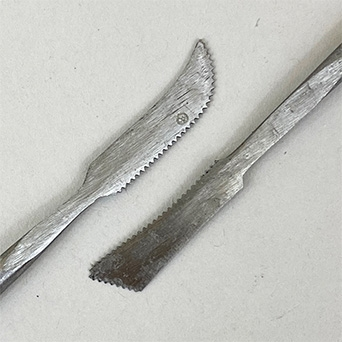 FORGED METAL MODELLING TOOL SHAPED FINE SERRATED